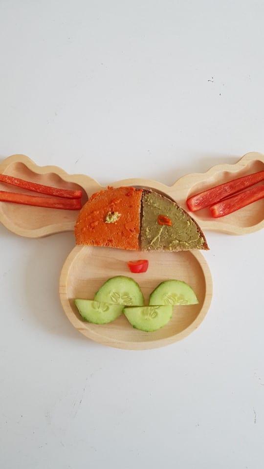 Elch Teller aus Holz - mit leckeren BLW Rezepten und breifreier Beikost