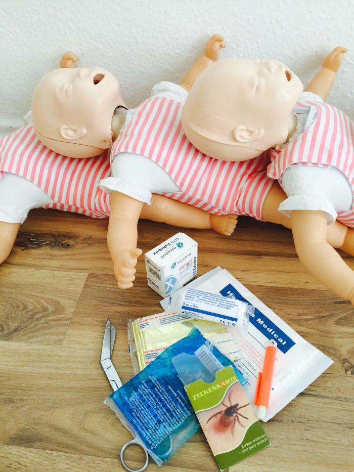 Erste Hilfe für Babys - Erst Hilfe Kurse für Babys und Kleinkinder in Hamburg mit Juliane Kux - auf Notfälle im Alltag reagieren können