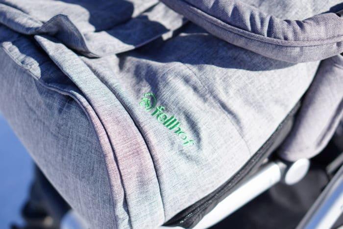 Der Fellho mit kuscheligem Lammfell und Fußsack für babys - auch toll als Geschenk zur Geburt
