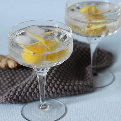 Alkoholfreie Cocktails mit Mango