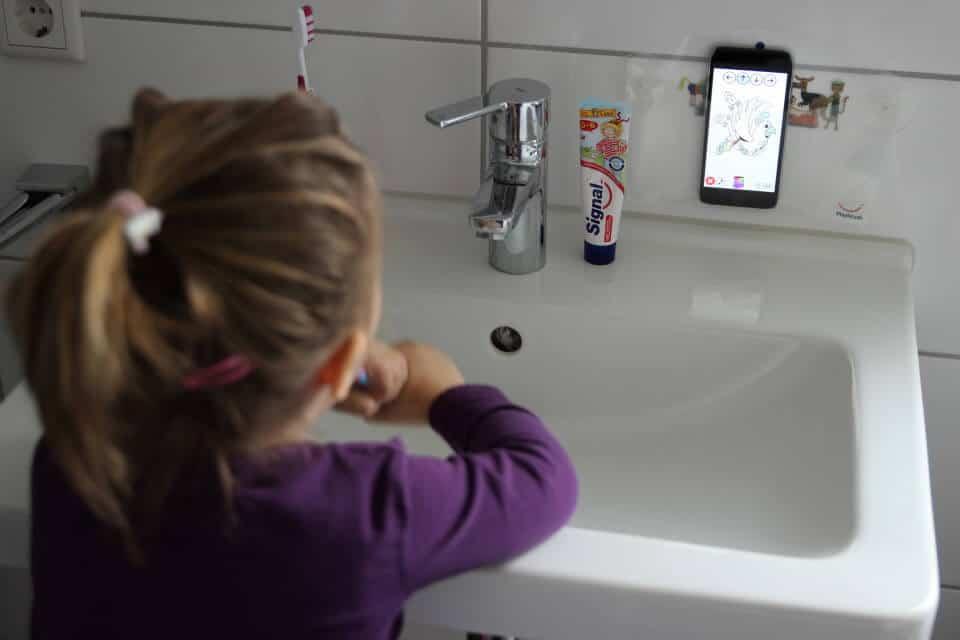 Zähne putzen kinderleicht mit der Playbrush Zahnbürste - Spielerisch die Zähne putzen