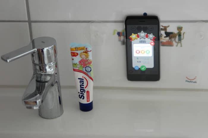 Zahnputzauswertung mit der Playbrush app auf dem Handy oder Smartphone - Medienzeit für Kinder