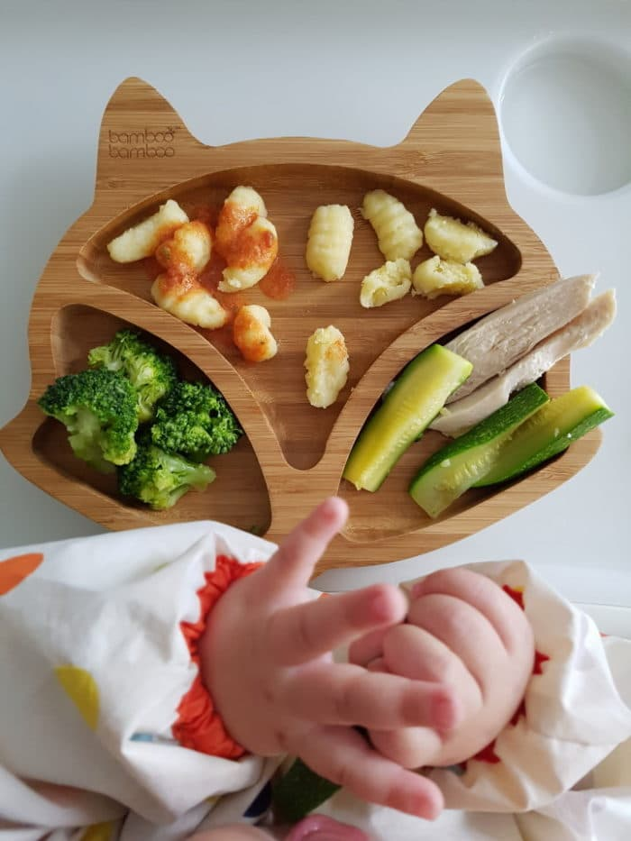 Holzteller mit Gemüse und Co. - BLW Rezepte für eine Beikosteinführung ohne Brei