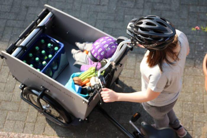 Inspektion beim Fahrrad - unser Babboe Hollandrad mit Elektroantrieb für große Fahrradtouren und Einkäufe
