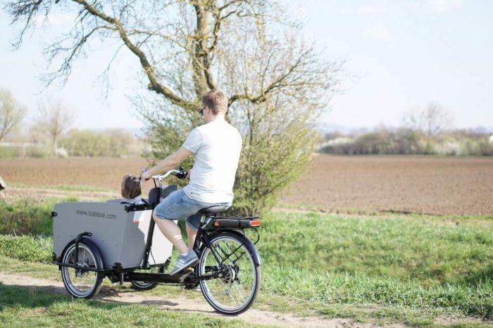 Ausflugsideen für den Frühling mit Picknick und dem Lastenrad