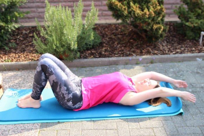 Rückbildungsyoga für zuhause - Der Rückbildungskurs online mit Postpartalem Yoga, Atmeübungen und Rückbildungsgymnastik