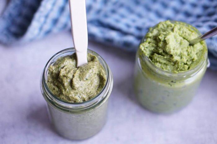 Hummus aus Erbsen und Spinataufstrich - eine List emit über 20 Ideen für Brotbelag für Babys und Kleinkinder, Aufstrich und Pesto selber machen
