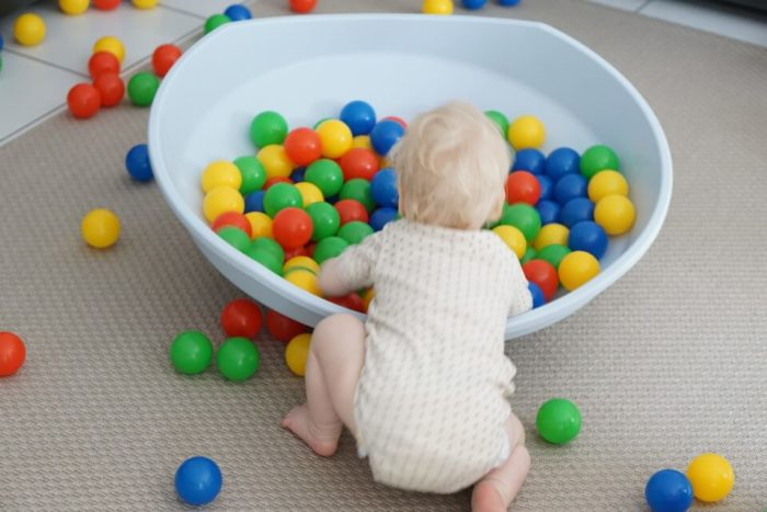 Pekip, Delphi und Co. - mit der BIG Cosy findet die Bewegungsförderung des Babys spielerisch zuhause statt
