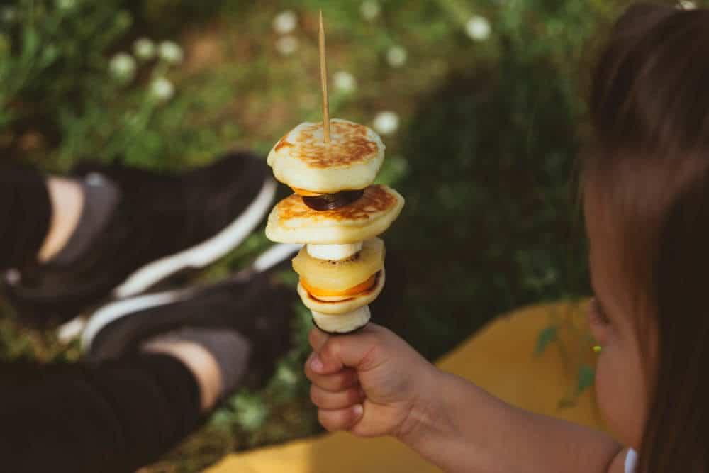 Pfannkuchen-Obst-Spieße