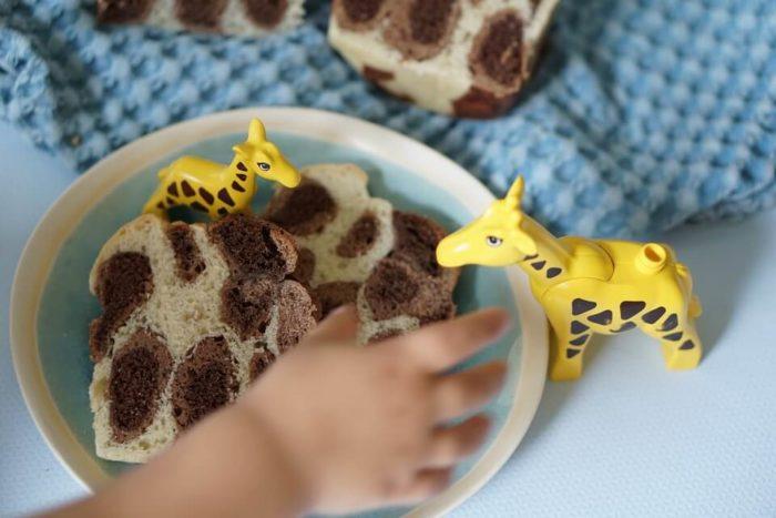 Kreative familienrezepte: das Giraffenbrot ist ein Hefebrot mit Kakao