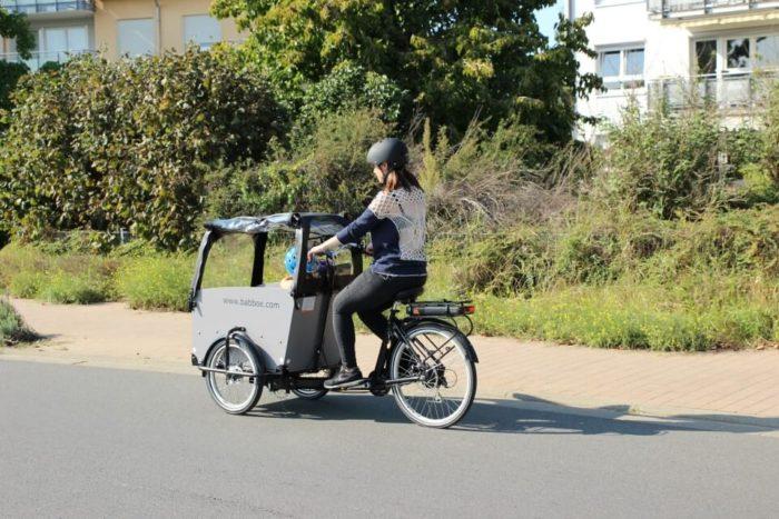 Nachhaltig unterwegs im Familienalltag ohne Auto mit unserem Lastenrad Babboe Big mit Akku und elektrischem Motor