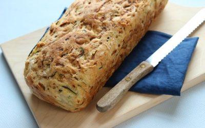 Brot backen einfach – fluffiges Zucchinibrot für Groß und Klein