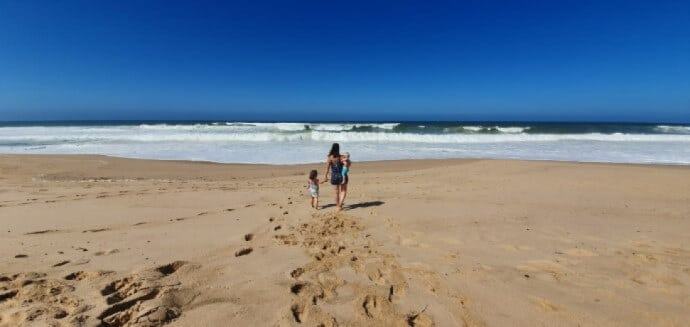 Urlaub am Meer als Familie mit Baby und Kleinkind - Unsere Reise in der Elternzeit - ohne Camper inPrtugal unterwegs