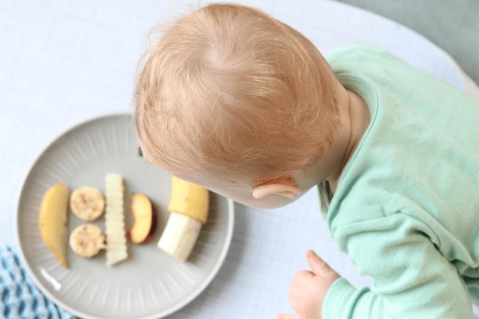 Wie oft sollten Babys essen? Welche Mengen und in welchen Zeitabständen sollte Beikost angeboten werden?