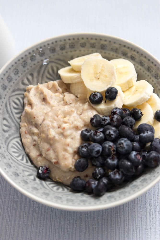 Porridge für Babys - Haferbrei von Freche Freunde für das gesunde BLW und breifrei Frühstück