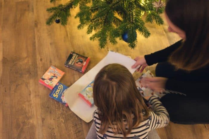 Geschenke einpacken für Weihnachten - Spiele und Spieleideen für die ganze Familie