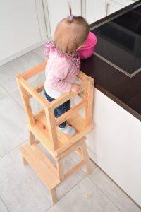 Learning Tower bauen aus Ikea Hocker und Stuhl