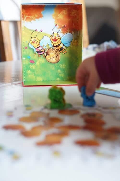 Gesellschaftsspiele für die ganze Familie - Wir spielen in der Corona Zeit zuhause
