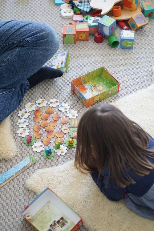 Spielen statt Panik - wie wir die Zeit ohne Kindergarten in der Corona Zeit möglichst entspannt gestalten können