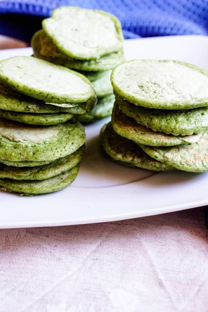 BLW und breifrei Rezept für Babys ab Beikoststart - Unsere kleinen herzhaften Pfannkuchen für die ganze Familie