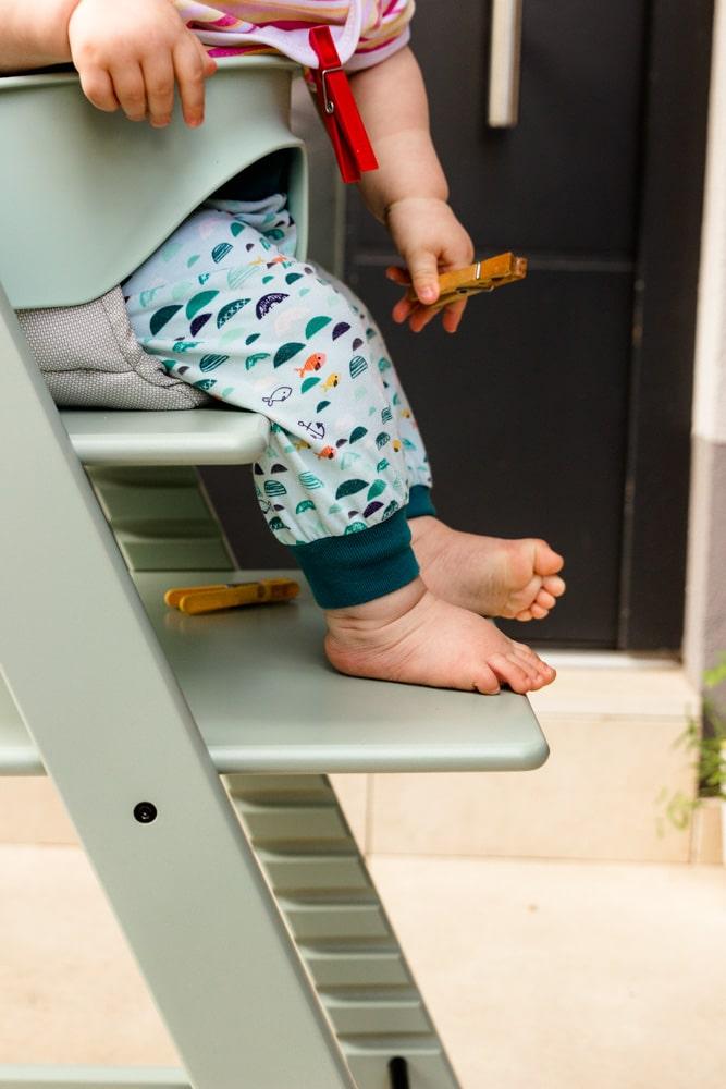 Baby sitz im tripp Trapp - ab wann dürfen babys im Hochstuhl sitzen