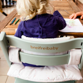 Ab wann dürfen Babys im Hochstuhl sitzen
