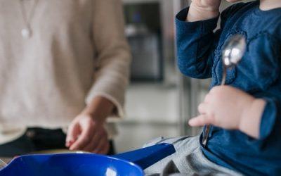 Verstopfung beim Beikoststart – was kann man tun, um die Verdauung des Babys anzukurbeln?