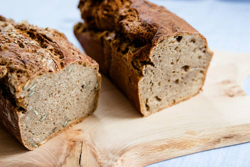Fertig gebackenes Brot - mit Hefe