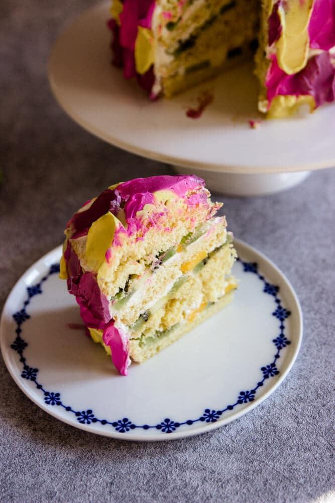 Zuckerfreie, bunte und mehrstöckige Torte zum 1. Geburtstag