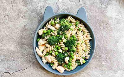 Pasta für Kleinkinder – Nudeln mit Brokkoli, Lachs und Erbsen